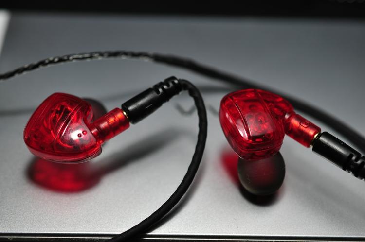 [해외]HIFI 발열 귀 모니터링 DIY 모바일 컴퓨터 headphonemicrophone의 SE535을 ie800 스포츠 이어폰/HIFI fever Ear Monitoring earphones DIY mobile computer headphonemicrophone s